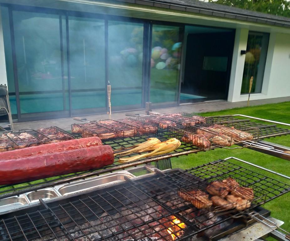 barbecue feu de bois traiteur des gastronomes